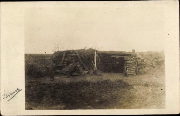 Foto Ak Deutscher Unterstand an der Somme, Soldaten, I. WK