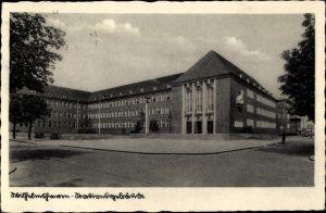 Ak Wilhelmshaven in Niedersachsen, Straßenpartie mit Blick auf das Stationsgebäude