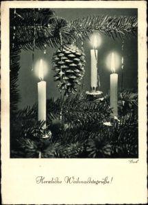 Ak Glückwunsch Weihnachten, Brennende Kerzen und Tannenzapfen, Fotoverlag Groh Nr. 2181