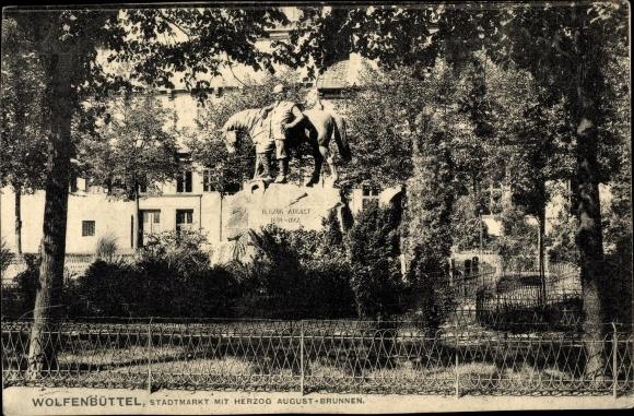 Ak Wolfenbüttel in Niedersachsen, Stadtmarkt, Herzog August Brunnen