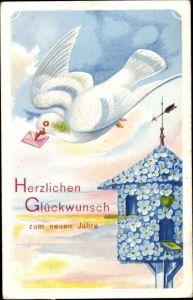 Präge Ak Glückwunsch Neujahr, Brieftaube, Taubenschlag aus Vergissmeinnicht