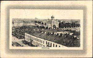 Ak Daugavpils Dünaburg Lettland, Kirche und Marktplatz, Blick über die Dächer der Stadt