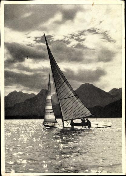 Ak Segelboot auf dem Wasser, Gebirge, Landschaftsblick