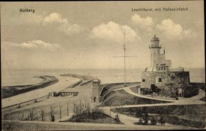 Ak Kołobrzeg Kolberg Pommern, Leuchtturm und Hafeneinfahrt