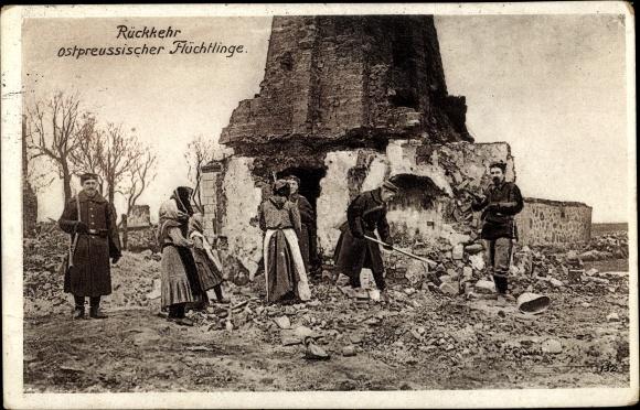 Ak Ostpreußen, Rückkehr ostpreussischer Flüchtlinge, Soldaten, Kriegszerstörungen, I. WK