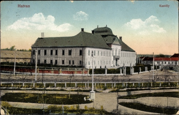 Ak Hatvan Hottwan Ungarn, Kastély, Schloss, Straßenansicht