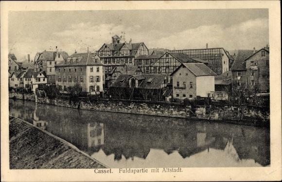Ak Kassel in Hessen, Fuldapartie, Altstadt, Wohnhäuser