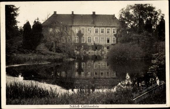 Ak Harmsdorf in Ostholstein, Schloss Güldenstein, Außenansicht m. Teich