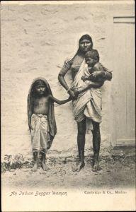 Ak Indien, An Indian Beggar Woman, Bettlerin, Frau mit Kindern