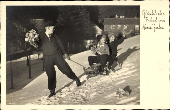 Ak Glückwunsch Neujahr, Schlitten, Hufeisen, Kleeblatt, Fliegenpilz, Kinder