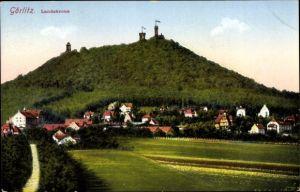 Ak Görlitz in der Lausitz, Teilansicht vom Ort mit Berg, Landskrone, Aussichtsturm