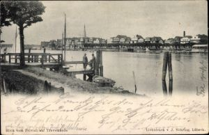Ak Travemünde Lübeck Schleswig Holstein, Teilansicht vom Ort mit Fluss, Blick vom Priwall