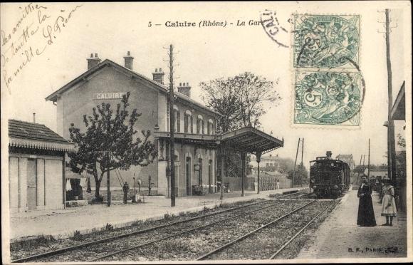 Ak Caluire Rhone, La Gare, Bahnhof von der Gleisseite, Eisenbahn
