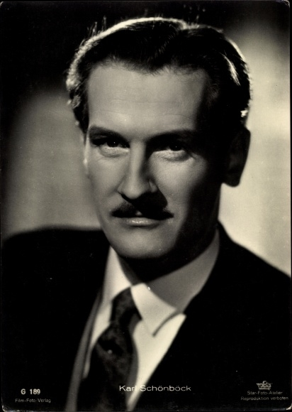Ak Schauspieler Karl Schönböck, Portrait, Anzug