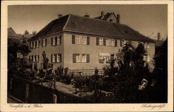 Ak Gersfeld in der Rhön Hessen, Ludwigsstift, Außenansicht, Garten