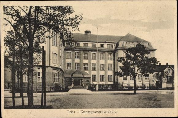 Ak Trier in Rheinland Pfalz, Kunstgewerbeschule, Außenansicht