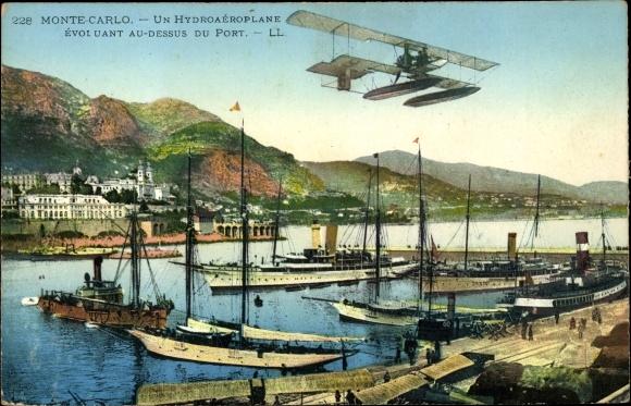 Ak Monte Carlo Monaco, Un Hydroaéroplane évoluant au dessus du Port, Vapeurs
