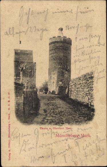 Ak Müncheberg Märkisch Oderland, Turm u. Cüstriner Tor, Straßenansicht