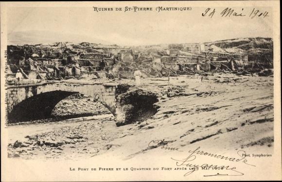 Ak St. Pierre Martinique, Le Pont de Pierre et le Qaurtier du Fort apres le 8 Mai 1902