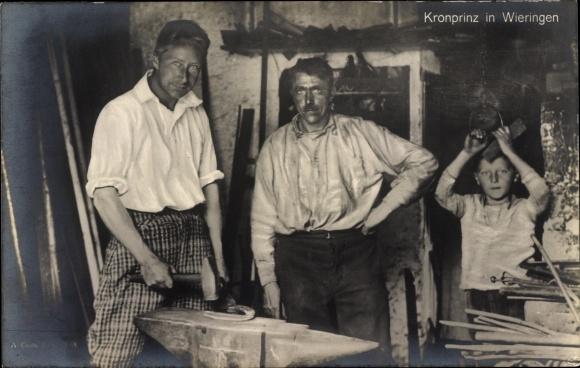 Ak Wieringen Nordholland, Kronprinz Wilhelm im Exil in den Niederlanden, Schmied, Amboss