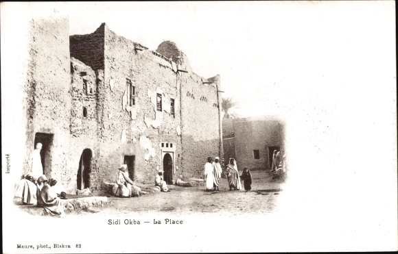 Ak Sidi Okba Biskra Algerien, La Place, Gebäude