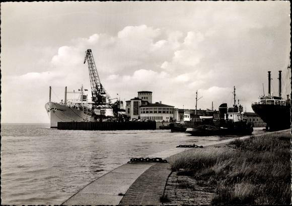 Ak Bremerhaven, Columbusbahnhof, Pier Seven Seas, Hafen, Schiffe, Dampfer