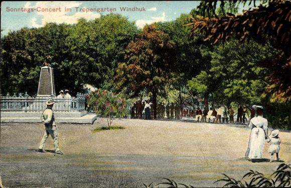 Ak Windhuk Namibia Deutsch Südwestafrika, Sonntagskonzert im Tropengarten, Denkmal
