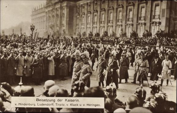 Ak Beisetzung der Kaiserin Auguste Viktoria, Hindenburg, Ludendorff, Tirpitz, Kluck, Heringen