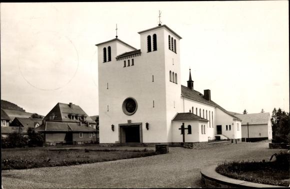 Ak Bad Berleburg Nordrhein Westfalen, Liebfrauenkirche, Außenansicht
