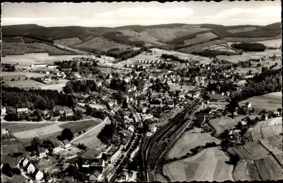 Ak Hilchenbach im Kreis Siegen Wittgenstein Nordrhein Westfalen, Luftkurort, Sicht auf den Ort