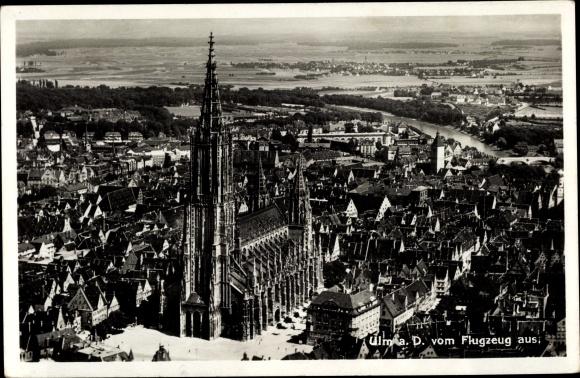 Ak Ulm an der Donau, Münster, Stadtansicht, Fliegeraufnahme