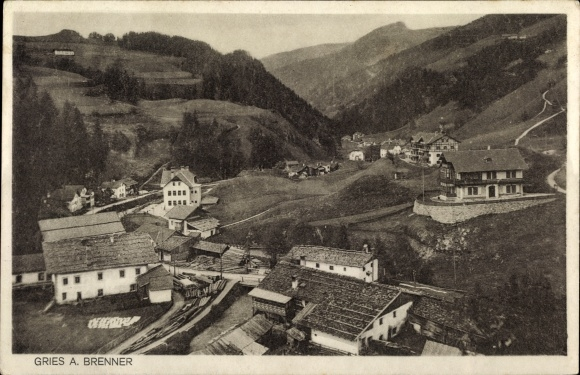 Ak Gries am Brenner in Tirol, Panorama vom Ort