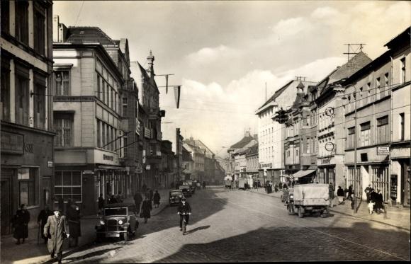 Ak Brandenburg an der Havel, Partie in der Hauptstraße, HO Kaufhaus, Flora Drogerie, Fußgänger
