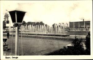 Ak Essen im Ruhrgebiet, Gruga Park, Wasserspiele mit Fontänen, Laterne, Turm