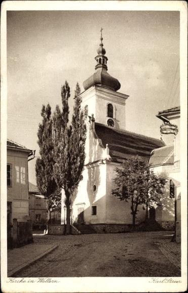 Ak Volary Wallern Südböhmen, Kirche, Straßenansicht