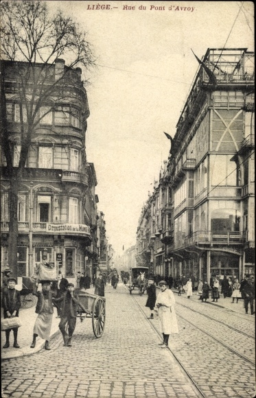 Ak Liège Lüttich Wallonien, Rue du Pont d'Avroy, scène vivante