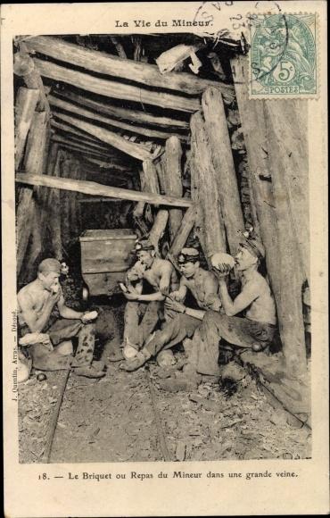 Ak Nordfrankreich, La Vie du Mineur, Le Briquet ou Repas du Mineur dans une grande veine, Bergleute