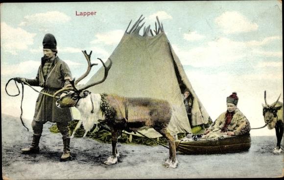 Ak Lappländer vor ihrem Zelt, Rentier