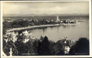 Ak Friedrichshafen am Bodensee, Teilansicht vom Ort, Partie am Seeufer, Boote, Kirche