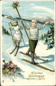 Präge Ak Glückwunsch Neujahr, Paar auf Skiern, Winterlandschaft