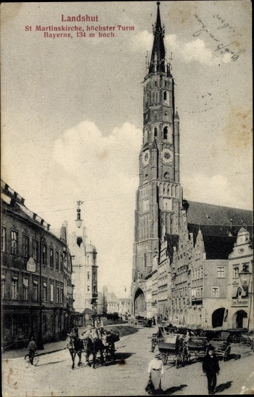 Ak Landshut in Niederbayern, Straßenpartie mit St. Martinskirche