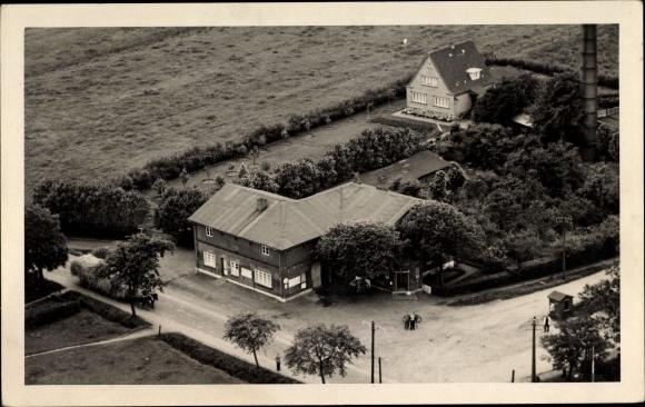 Foto Ak Langenhorn in Nordfriesland, Fliegeraufnahme, Gebäude