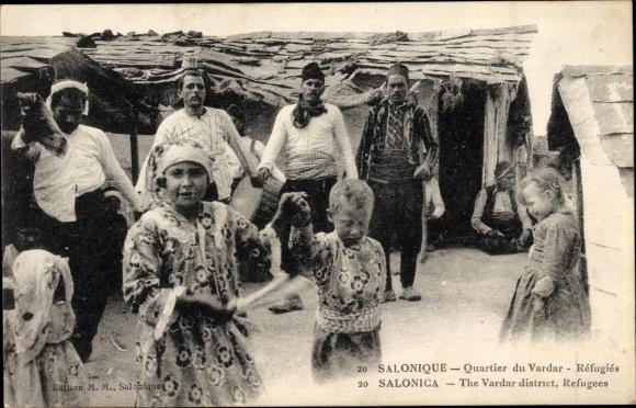 Ak Thessaloniki Griechenland, Quartier du Vardar, Refugies