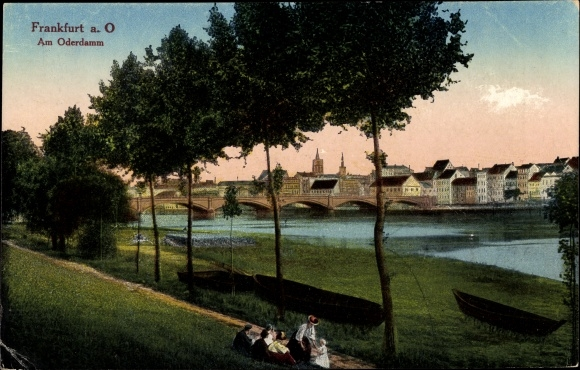 Ak Frankfurt an der Oder, Teilansicht vom Ort, Partie am Oderdamm, Brücke