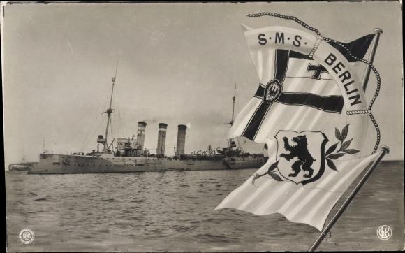 Ak Deutsches Kriegsschiff, SMS Berlin, Fahnen, Kaiserliche Marine
