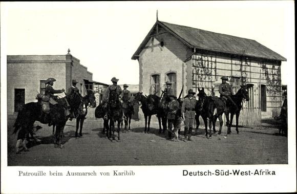 Ak Deutsch Südwestafrika Namibia, Patrouille beim Ausmarsch von Karibib, Kolonialsoldaten