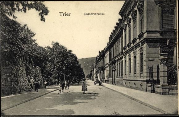 Ak Trier in Rheinland Pfalz, Kaiserstraße, Straßepartie 0