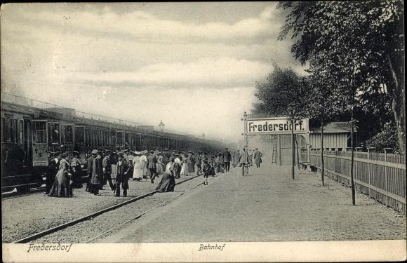 Ak Fredersdorf Vogelsdorf Brandenburg, Bahnhof, Gleisseite 0