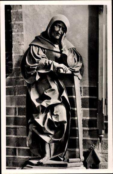 Ak Güstrow in Mecklenburg Vorpommern, Dom St. Maria, Apostelfigur von Claus Berg, Simon Zelotes