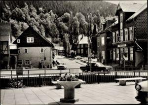 Ak Katzhütte im Schwarzatal Thüringen, Karl Marx Platz, Postamt, Autos